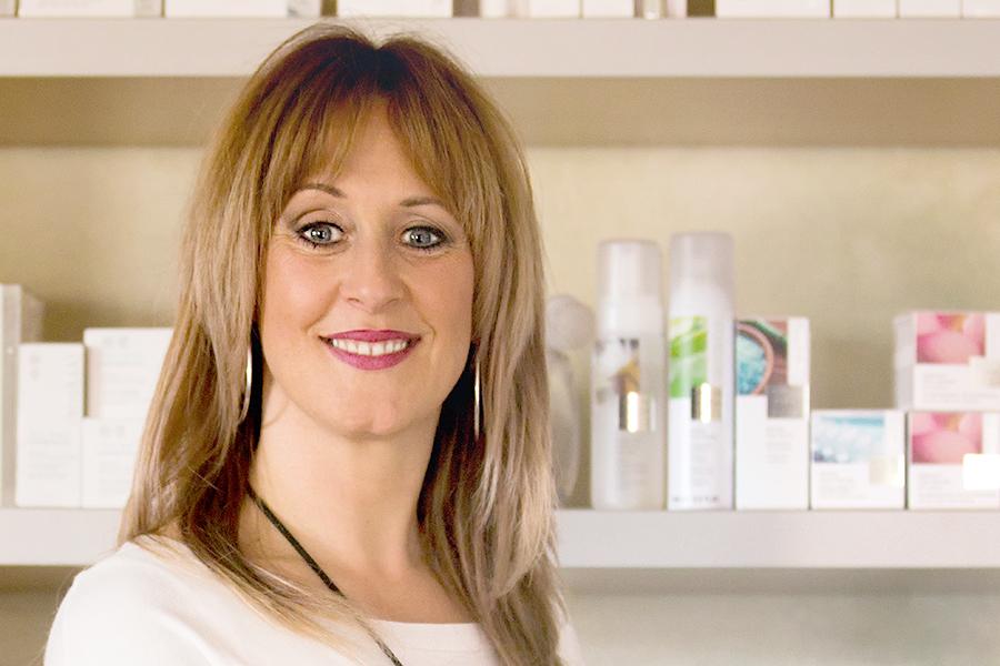 Silke Hassmann im Kosmetikstudio Beautypur